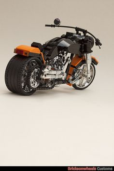 Harley Davidson Fatboy | Harley Davidson Fatboy (1:10) in Lego | Flickr - Photo Sharing!
