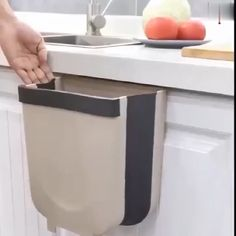 Bathroom Decor videos New creative folding wall-mounted design, very suitable for kitchen cabinet! Say goodbye to bend throwing away kitchen garbages