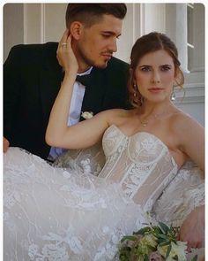 Elegant, Wedding Dresses, Fashion, Classy, Bride Dresses, Moda, Bridal Gowns, Fashion Styles