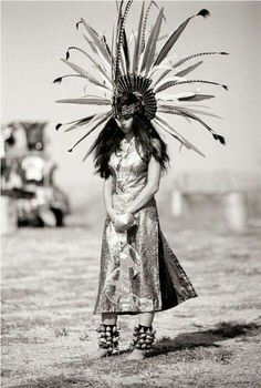 23 Photos and History Native American Names - vintagetopia Scroll down until you discover your tribe Native American Girls, Native American Beauty, Native American Photos, Native American Tribes, Native American History, American Indians, American Symbols, Native American Photography, Cherokee History