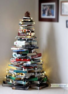 Thinking about having an alternative Christmas tree? Want to see the best ideas? We've rounded up the top 16 alternative Christmas tree ideas. Book Christmas Tree, Book Tree, Christmas Hacks, All Things Christmas, Winter Christmas, Christmas Holidays, Christmas Crafts, Christmas Decorations, Merry Christmas