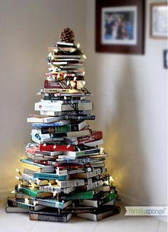 A books xmas tree. Cool idea!