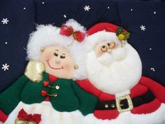 CUADROS Y ADORNOS EN PATCHWORK SIN AGUJA | Taller y Manualidades Margarita Xmas, Christmas Ornaments, Christmas Time, Quilt Blocks, Diy And Crafts, Applique, Santa, Quilts, Knitting
