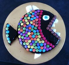 Le gâteau poisson ^^ Candy Cakes, Cupcake Cakes, Diy Party Food, Kid Desserts, Diy Cake, Cute Cakes, Creative Food, Cake Cookies, Amazing Cakes