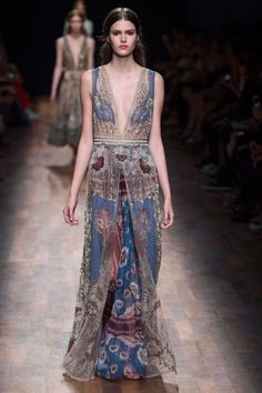Valentino Spring 2015 Ready-to-Wear Collection  - ELLE.com