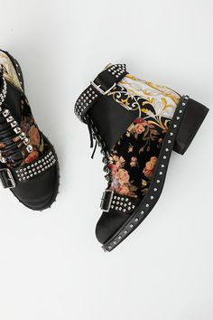 Shop our Grapevine Ankle Boot at Free People.com. Share style pics with FP Me, and read & post reviews. Free shipping worldwide - see site for details.