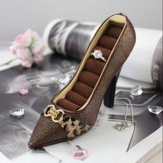 Jacki-Design-Luxurious-Leopard-Shoe-Ring-Holder-Brown-Color-Polyresin