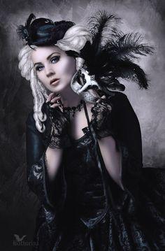 This neo-Victorian Goth girl looks Like Stevie Nicks