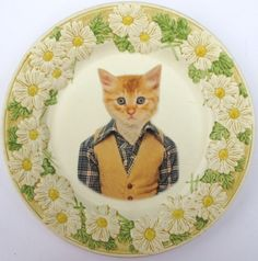 totally boggles my mind...imagine a table set with this cat fine china  <----the comment is what made me laugh !