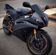 custom bikes photos are available on our web pages. Check it out and you wont be sorry you did. Yamaha R6, Ducati, Motos Honda, Yamaha Bikes, Motorbike Girl, Bobber Motorcycle, Moto Bike, Cool Motorcycles, Bmw 1200