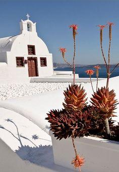 White chapel in Oia - Santorini, Greece