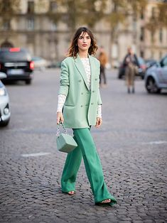Green fashion trend: Jeanne Damas wears mint green blazer and bag From fashion week coverage and the Casual Chic Outfits, Office Outfits, Simple Outfits, Work Outfits, Blazer Fashion, Fashion Outfits, Womens Fashion, Fashion Trends, Jeanne Damas