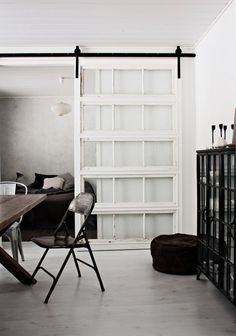 Sliding doors as a room divider - more privacy in the small apartment - Interior Design ♡ Wohnklamotte - Deco Design, Design Case, Indoor Sliding Doors, Sliding Wall, Interior Barn Doors, Room Interior, Apartment Interior, Apartment Design, Barn Door Hardware