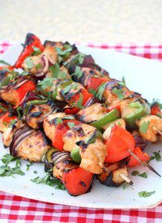 Marinerte grillspyd med kylling - LINDASTUHAUG Kung Pao Chicken, Ratatouille, Dinner, Ethnic Recipes, Food, Student, Dining, Meal, Dinners