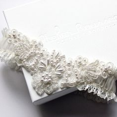 pearl lace garter