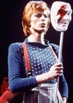 David Bowie, 1974.