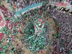 catalunya City Photo, Christmas Wreaths, Holiday Decor, World, Videos, Youtube, Spain, The World, Christmas Garlands