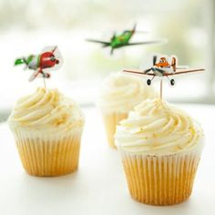 Add an adorably aerial finishing touch to your sweet treats with these easy-to-make cupcake toppers. Love this for Gilberts Birthday.I think he'll love a Disney themed party.monsters inc, toy story, cars, planes. Disney Planes Party, Disney Planes Birthday, Planes Movie, Disney Cars, Airplane Cupcakes, Airplane Party, 5th Birthday Party Ideas, Birthday Fun, Third Birthday
