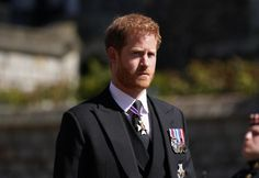 C'est devant un cercle restreint que se sont tenues le 17 avril les funérailles du prince Philip, décédé le 9 avril à l'âge de 99 ans. Des obsèques durant lesquels était palpable l'émotion de la famille royale. Prince Andrew, Prince Charles, Prince Philip Death, Prince Harry And Meghan, Lady Diana, Oprah Winfrey, Elizabeth Ii, Meghan Markle, Kate Middleton
