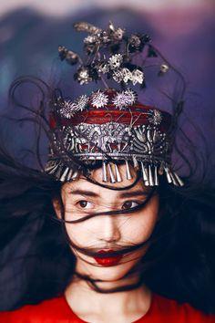 Ideas fashion photography women headdress for 2019 Photography Women, Editorial Photography, Fashion Photography, Chinese Model, Chinese Style, Chinese Fashion, Foto Fashion, Tribal Fashion, Editorial Fashion