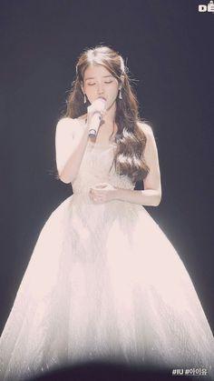 Iu Fashion, Korean Fashion, Kpop Girl Groups, Kpop Girls, Korean Actresses, Celebs, Celebrities, Girl Crushes, Korean Beauty