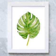 Ну а такой тропический принт с нарисованным пальмовым листиком украсит любую комнату и добавит ей свежести и яркости, просто распечатайте его и повесьте в рамочку (IllustrationsThings, 2,88$)