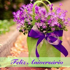 Fill beautiful bag with flowers, wrap with ribbon~ Happy Spring, Birthday, Easter, or just because gift! My Flower, Fresh Flowers, Purple Flowers, Beautiful Flowers, Flower Bag, Lavender Flowers, Wild Flowers, Color Splash, Arte Floral
