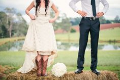 Photo shoot idea: Use hay bales as props!