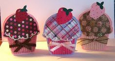 I'm not the cutee-cardy-crafty kind of girl but these Cupcake cards are awesome!!!!
