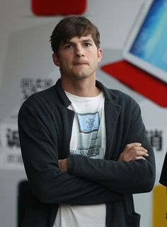 Ashton Kutcher Is Testifying Against the Serial Killer Who Allegedly Murdered His Ex-Girlfriend  - MarieClaire.com