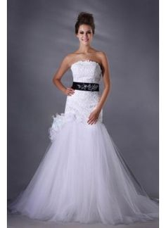 Spectacular Trumpet/Mermaid Strapless Chapel Train Tulle and Lace Appliques Wedding Dress