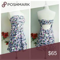 Armani Exchange strapless Dress Beautiful bright floral print*  Open back, clasps in the back*  HAS POCKETS!*  Like New   Lined inside to hold up on your chest*  Last photo is a close up to show print Armani Exchange Dresses Strapless