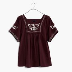 nwt madewell plum embroidered alma peasant top an easy short-sleeve peasant blouse embroidered with a botanical motif. the cool square neckline was inspired by a vintage top our designers uncovered in Paris. true to size. cotton. machine wash. sold out!  size: small  color: dark plum (white shown for style!)  condition: brand new with tags! Madewell Tops Blouses