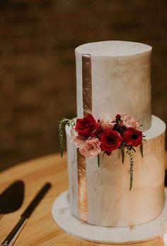 35 Modern Wedding Cake Ideas   Brides