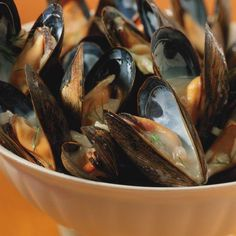 Ricardo's Recipe : Mussels in White Wine Saint Jacques Recipe, Caviar, Mussels Seafood, Mussels White Wine, Ricardo Recipe, English Food, Appetisers, Fish And Seafood, Low Carb Keto
