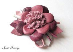 Cómo hacer flores de cuero