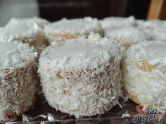 Czech Recipes, Mini Cakes, Coconut Flakes, Christmas Cookies, Spices, Ice Cream, Sweets, Baking, Desserts