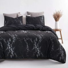 Wake In Cloud - Black Marble Comforter Set, Black with Gray Grey White Streaks Modern Pattern Printed, Soft Microfiber Bedding King Size) Marble Comforter, Comforter Sets, Black And White Marble, Grey And White, Marble Bedroom, Boho Bedding, Bedroom Designs, Bedroom Apartment, White Patterns