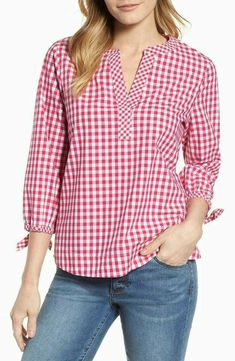 Product Image, so cute to see the outfit. Kurta Designs, Blouse Designs, Kimono Tee, Diy Clothes, Clothes For Women, Short Tops, Stylish Dresses, Minimalist Fashion, Gingham