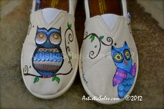 Whooo Loves You Handpainted YOUTH TOMS Shoes by ArtisticSoles, $110.00