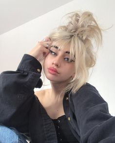 Discovered by 💕. Find images and videos about beauty, makeup and ulzzang on We Heart It - the app to get lost in what you love. Hair Inspo, Hair Inspiration, Buttery Blonde, Mode Grunge, Tumbrl Girls, Fete Halloween, Aesthetic Hair, Grunge Hair, Hair Looks