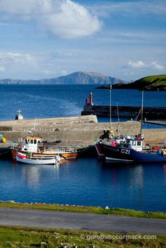 Sailboats in harbour | Fishing Boats at Purteen Harbour, Achill Island, Co Mayo, Ireland ...