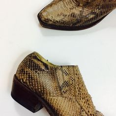 3f3f3e64bf7fa Spanish made snakeskin booties U.S. Women s size 8 Western Shoes