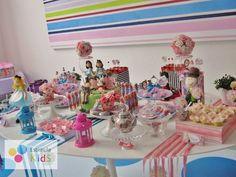 "Photo 5 of 54: Birthday ""Chá de Bonecas - Tea Party - Alice no País das Maravilhas "" | Catch My Party"