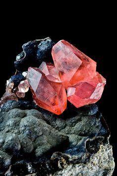 Rhodochrosite, San Martín Mine, (Chiuruco), Huallanca, Bolognesi Province, Ancash. Peru.