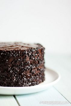 Bolo de Chocolate | Dark Chocolate Cake (with Mayo)