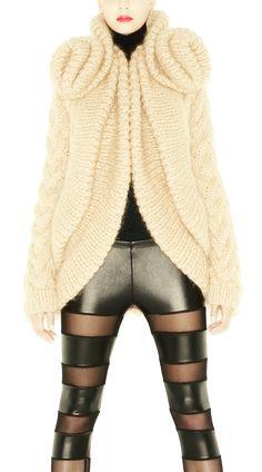 EVA | Charlotte Mullor  ♪ ♪ ... #inspiration_crochet #diyGB http://www.pinterest.com/gigibrazil/boards/
