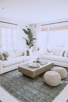 20 Chic Open Living Room Renovations Design Ideas That You Must Try Minimalist Living Room Chic Design Ideas Living Open Renovations Room Glam Living Room, Living Room Decor, Home Interior, Interior Design, Interior Livingroom, Interior Paint, Design Salon, Living Room Inspiration, Interior Inspiration