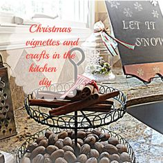 Let it snow board diy Diy Xmas Gifts, Christmas Food Gifts, Christmas Traditions, All Things Christmas, Holiday Crafts, Christmas Decorations, Christmas Recipes, Holiday Ideas, Christmas Ideas