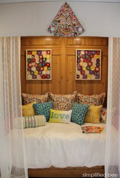 equestrian chic teen girl's bedroom // Teri Pollard for the Woodside Decorator Show House #equestrian #chic #bedroom